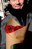 JOUR DE VALENTINES DE ROSES ROUGES Images stock