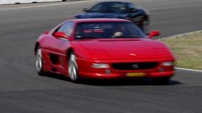 Jour de voie de Ferrari banque de vidéos