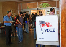 Jour de vote présidentiel des 2008 USA à ville frontière Image stock