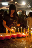Jour de Wesak au temple bouddhiste de Maha Vihara Photographie stock