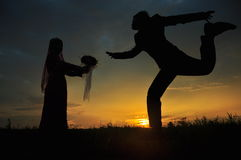 Jour du mariage silhoutted. images stock