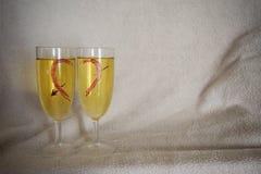 Jour du ` s de St Valentine Petit déjeuner dans un lit Photographie stock libre de droits