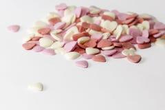 Jour du ` s de St Valentine symbole multicolore de coeurs de sucre de l'amour et du bonheur doux Fond Images libres de droits