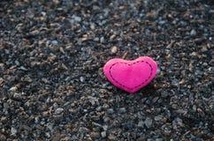 Jour du `s de Valentine Coeurs tricotés Photos libres de droits