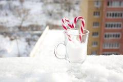 Jour du ` s de Valentine d'histoires d'amour un coeur de caramel Photographie stock