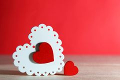 Jour du ` s de Valentine, mariage, amour OE à jour lumineux blanc et rouge Photo stock