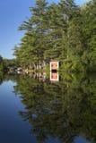 Jour en retard sur la rivière Photo stock