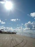 Jour ensoleillé à la plage Photo libre de droits