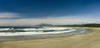 Jour ensoleillé à la plage de Wickaninnish, île de Vancouver, Colombie-Britannique, Canada photos stock