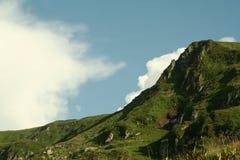 Jour ensoleillé dans les montagnes Images stock