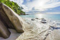 Jour ensoleillé sur la georgette d'anse de plage de paradis, praslin Seychelles 12 Photo stock