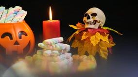 Jour heureux de Halloween avec la longueur d'ornement clips vidéos