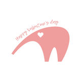 Jour heureux du `s de Valentine Éléphant rose avec un coeur dans ses yeux Image stock