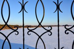 Jour neigeux ensoleillé extérieur photo libre de droits