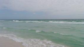 Jour nuageux de plage images libres de droits