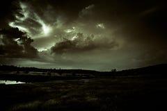 Jour orageux dans la ville photo stock