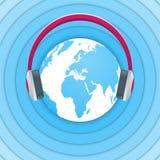 Jour par radio amateur du monde Illustration bleue et blanche de vecteur avec un globe, des écouteurs et des ondes radio Radiodif Photo stock