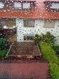 Jour pluvieux de la fenêtre Photographie stock libre de droits