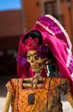 Jour squelettique de carton traditionnel des morts photo libre de droits
