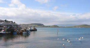 Jour tranquille au port d'Oban Images stock