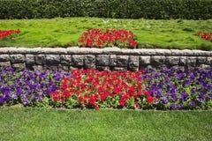 Journée de printemps lumineuse en parc photos libres de droits