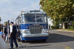 Journée 'portes ouvertes' de public sur le garage de 40 ans Cinkota 33 d'autobus Photos stock