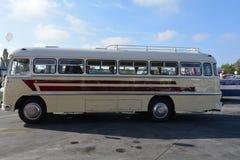 Journée 'portes ouvertes' de public sur le garage de 40 ans Cinkota 38 d'autobus Image libre de droits