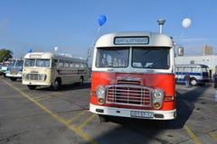 Journée 'portes ouvertes' de public sur le garage de 40 ans Cinkota XVIII d'autobus Image stock