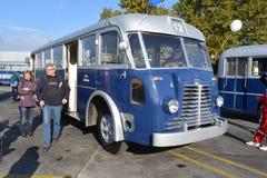 Journée 'portes ouvertes' de public sur le garage de 40 ans Cinkota XXII d'autobus Photographie stock