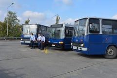 Journée 'portes ouvertes' de public sur le garage de 40 ans Cinkota XXIX d'autobus Photographie stock libre de droits
