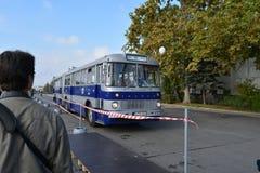 Journée 'portes ouvertes' de public sur le garage de 40 ans Cinkota XXV d'autobus Photos stock