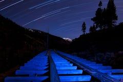 Journal d'étoile et canalisation légère bleue Photos stock