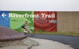 Journal de façade d'une rivière de St Louis Photos stock