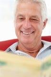 Journal du relevé d'homme aîné Image libre de droits