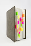 Journal intime avec les étiquettes colorées Images libres de droits