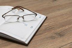 Journal intime fonctionnant Open sur votre bureau photo libre de droits