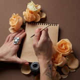 Journal intime ou carnet pour des idées et des émotions Photo libre de droits