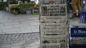 Journalisme international de médias de kiosque de presse clips vidéos