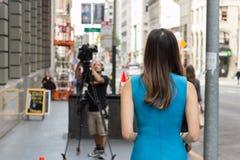 Journalista fêmea asiático foto de stock