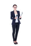 Journalista fêmea com o microfone e a prancheta isolados no whit Foto de Stock