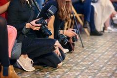 Journalistas no trabalho imagem de stock