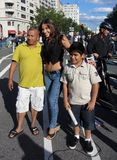 Journaliste, père et fils d'Univision Images stock