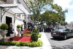 Journalisten en Autowachten, Eerwacht van Portugees Presidentieel Paleis, Lissabon Stock Afbeelding