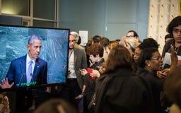Journalister i lobbyerna av FN Royaltyfria Bilder