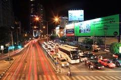Journaux de lumière sur la rue de Ratchadaphisek Images libres de droits