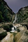 Journaux inférieurs d'étoile de Yosemite Falls Image libre de droits
