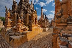 Journey through the Buddhist temples of Inle lake Stock Photos
