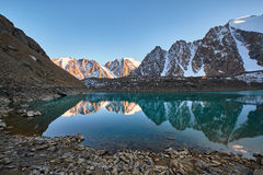 Free Journey Through Altai Mountains To Aktru. Hiking To Snowy Peaks Of Altai Mountains. Survival In Harsh Conditions, Beautiful Nature Royalty Free Stock Photos - 86032738