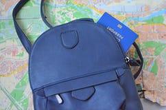journeyer Torba, światowa mapa i paszport, fotografia stock