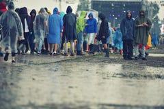 Jours pluvieux à un festival de musique Photos stock